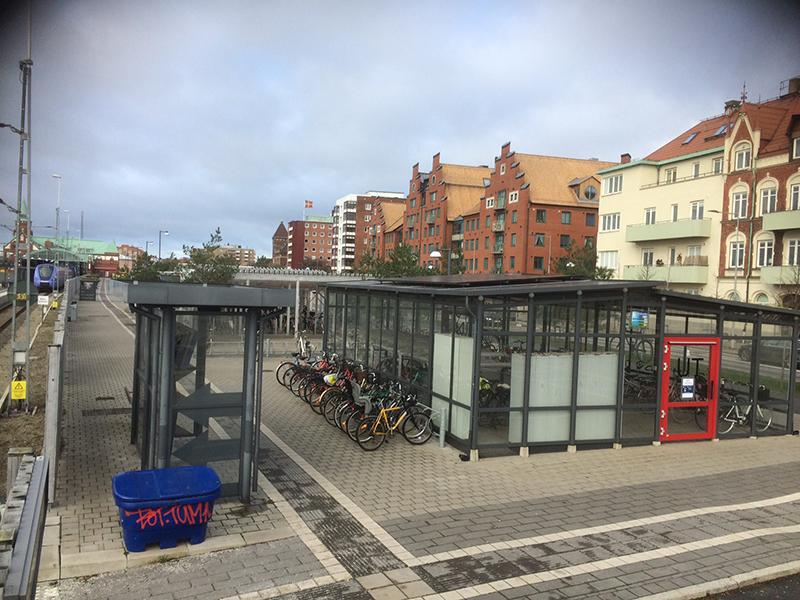 Solceller på cykelgarage vid Trelleborgs Centralstation 1
